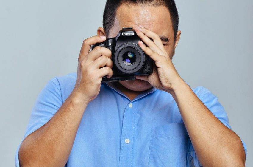AMOSS JULIAN – TALENTED PHOTOGRAPHER